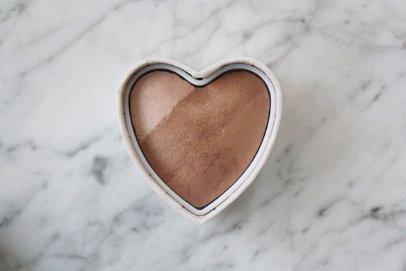HM_hart_blush_bronzer_powder08
