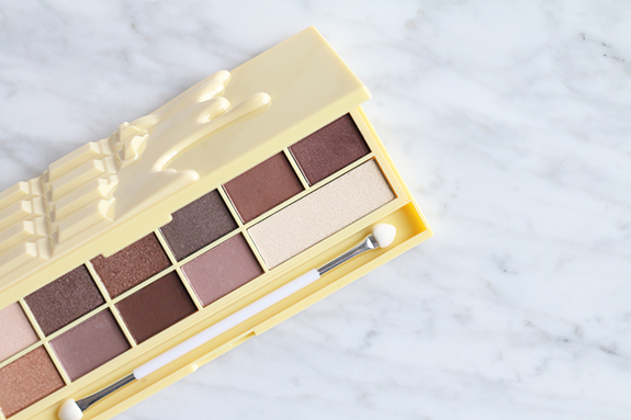 I_heart_makeup_naked_eyeshadow_palette_review05