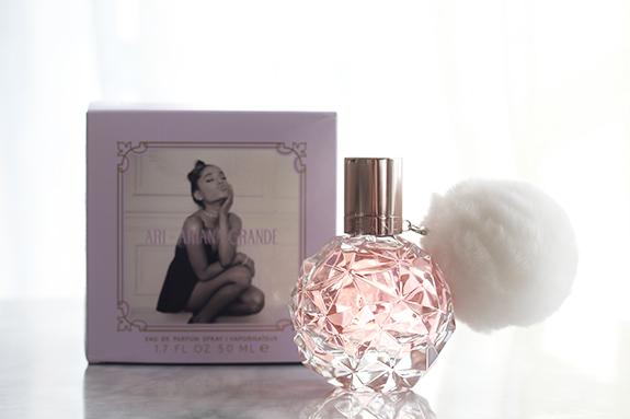 ariana_grande_ari_parfum03