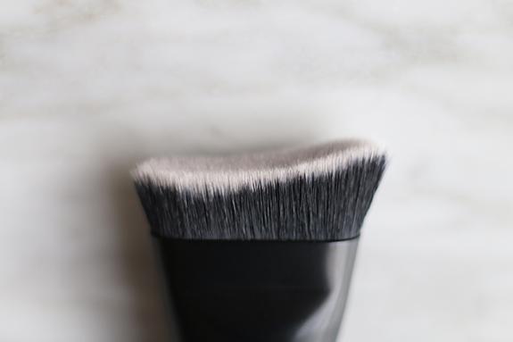 catrice_contourious_sculpting_palette_brush11