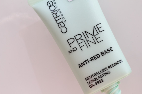 catrice_prime_and_fine_anti-red_base03