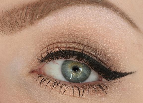 catrice_sand_nudes_soft_metal_denim_greys_eyeshadow14b