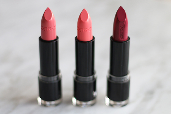catrice_ultimate_colour_lipstick_pink_side_rose_mantic_plum_fiction02