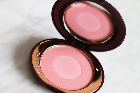 charlotte_tilbury_cheek_to_chic_love_glow09