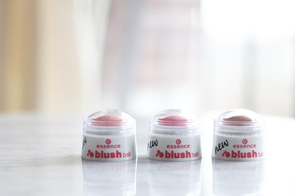 essence_blush_ball02