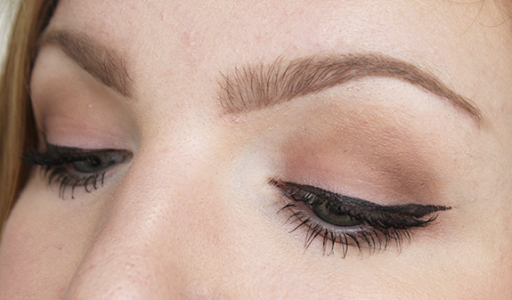 essence_how_to_make_matt_eyes_make-up_box08