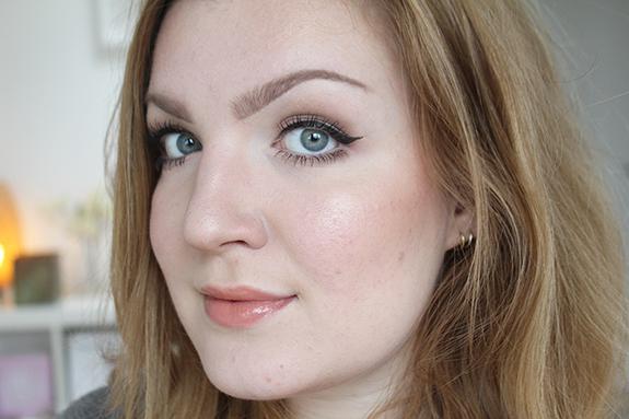 essence_how_to_make_matt_eyes_make-up_box09