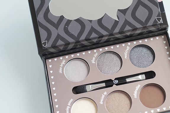 essence_how_to_make_smokey_eyes_make-up_box06