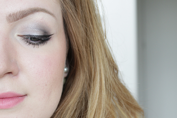 essence_how_to_make_smokey_eyes_make-up_box10