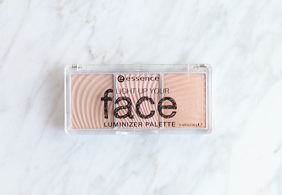essence_light_up_your_face_luminizer_palette02