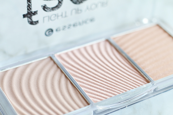 essence_light_up_your_face_luminizer_palette04