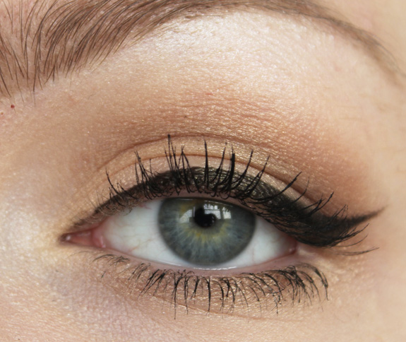 essence_make-up_box_how_to_make_nude_eyes_brows_wow_face_wow_13