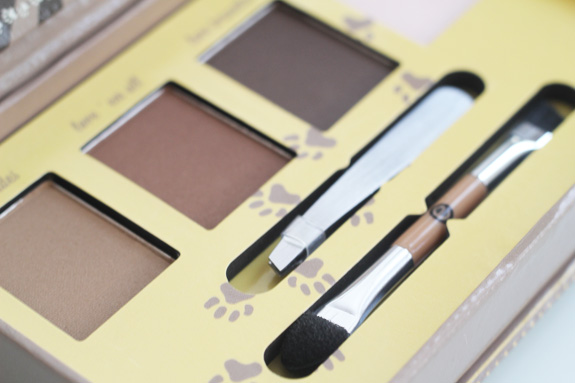 essence_make-up_box_how_to_make_nude_eyes_brows_wow_face_wow_18