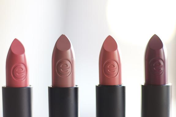essence_velvet_matt_lipstick03