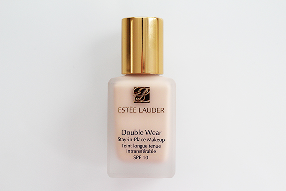estee_lauder_stay-in-place_makeup_foundation02