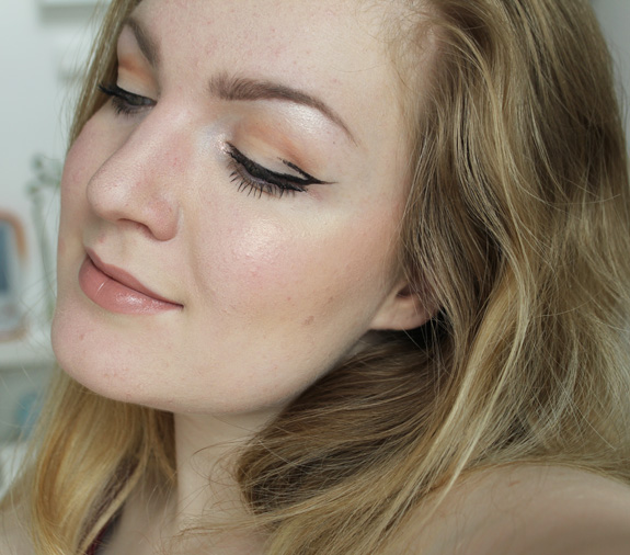 playing_with_makeup_eyeliner05