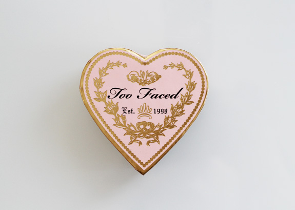 too_faced_sweethearts_perfect_flush_blush_candy_glow02