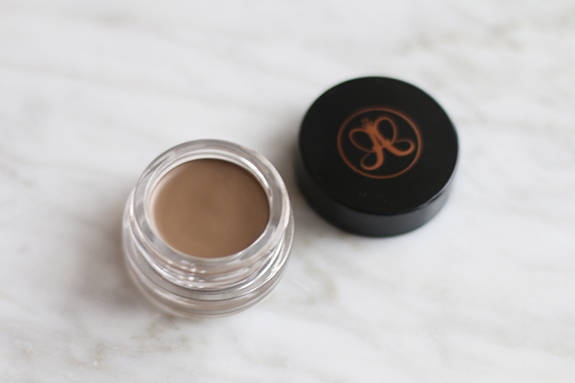 Anastasia_brow_definer_dipbrow_pomade_taupe12