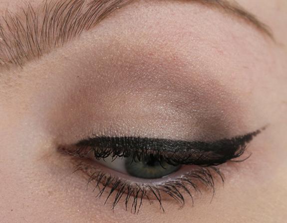 Bobbi_brown_greystone_eye_palette09