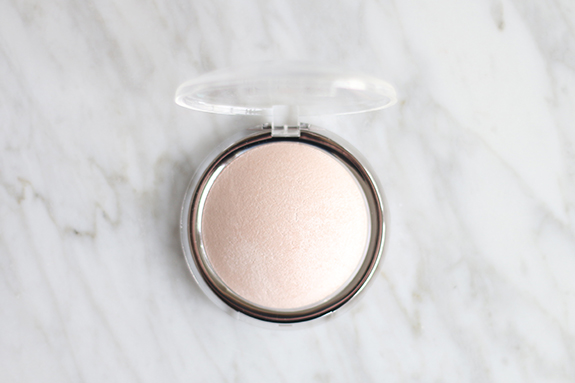 Catrice_high_glow_mineral_highlighting_powder02