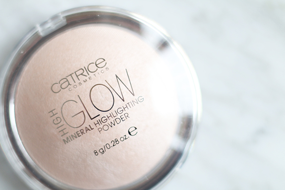 Catrice_high_glow_mineral_highlighting_powder07