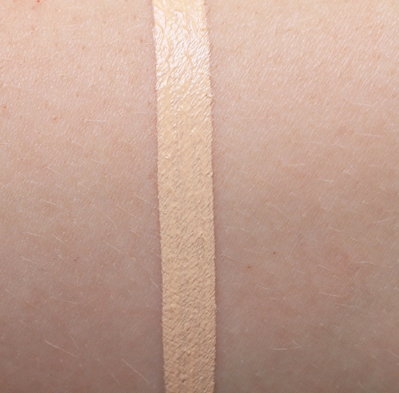 HM_cover-up_concealer_alabaster05