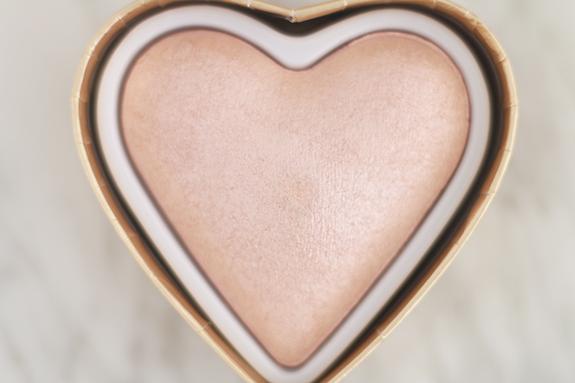 I_heart_makeup_blushing_hearts_Goddes_of_love11