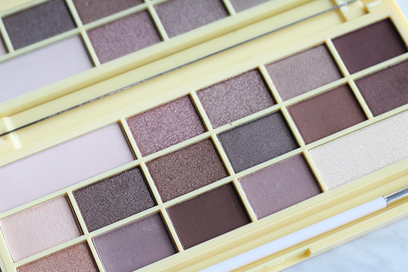 I_heart_makeup_naked_eyeshadow_palette_review06