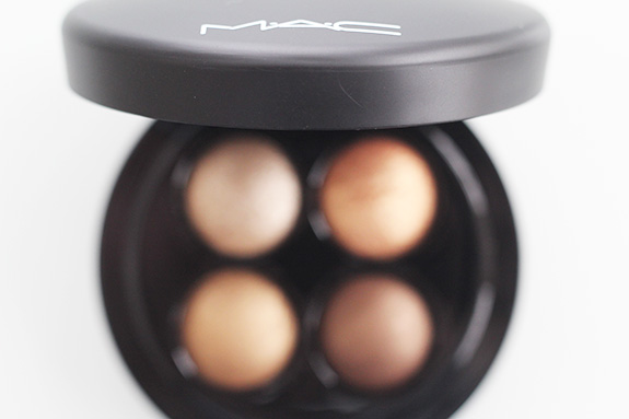 MAC_Keepsakes_gold_lip_eye_bag08