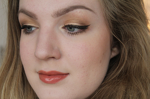 MAC_Keepsakes_gold_lip_eye_bag27