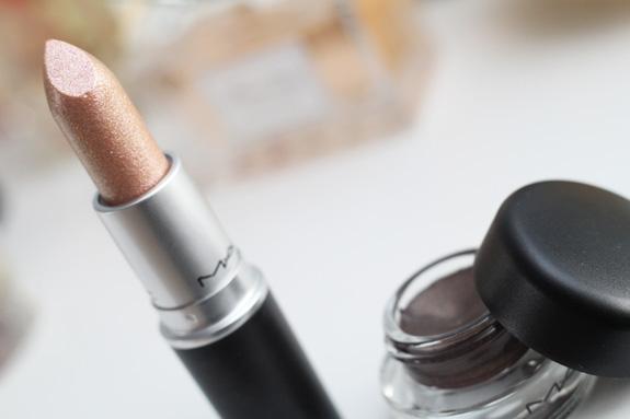 MAC_dazzle_lipstick_smash_hit_fluidline_eye-liner_gel_deliciously_rich03