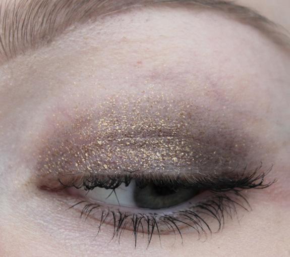 MAC_dazzle_lipstick_smash_hit_fluidline_eye-liner_gel_deliciously_rich08