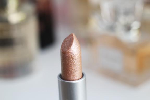 MAC_dazzle_lipstick_smash_hit_fluidline_eye-liner_gel_deliciously_rich10