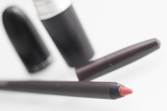 MAC_faux_lipstick_kylie_jenner02