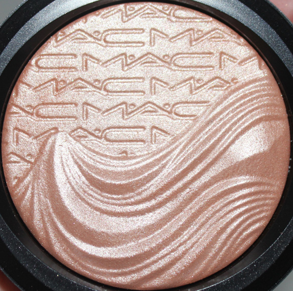 MAC_magnetic_nude_extra_dimension13