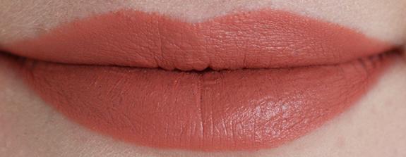 MAC_matte_lipstick_kinda_sexy01