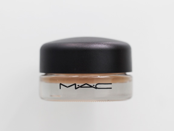 MAC_soft_ochre_paint_pot03