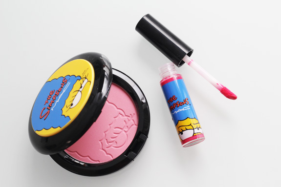 MAC_the_simpsons_marge_pink_sprinkless_blush_red_blazer_lipglass02