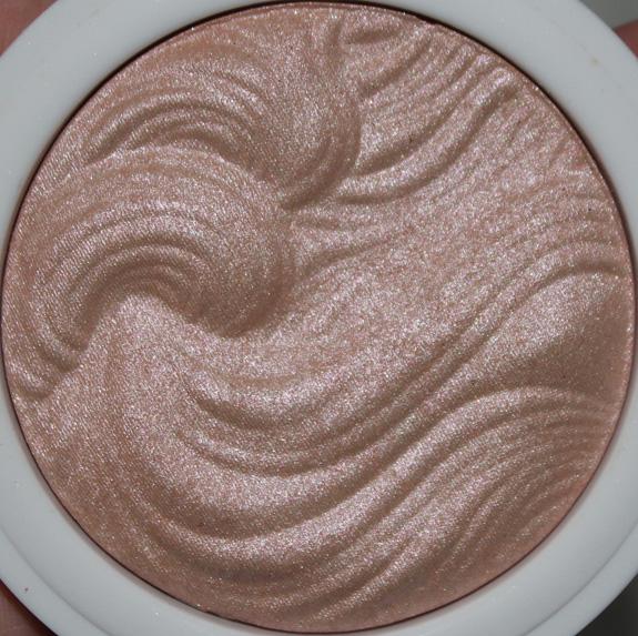 MUA_Undress_your_skin_shimmer_highlighter06