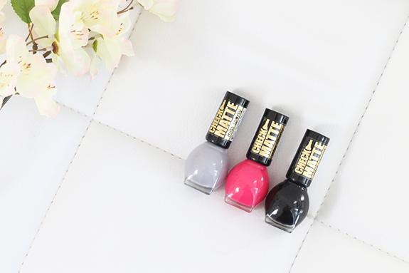 Miss_sporty_check_matte_nail_polish02