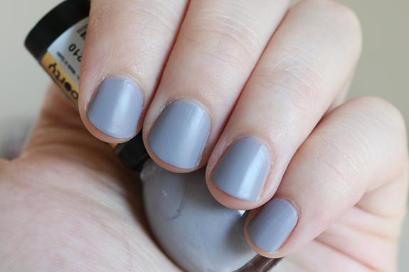 Miss_sporty_check_matte_nail_polish05