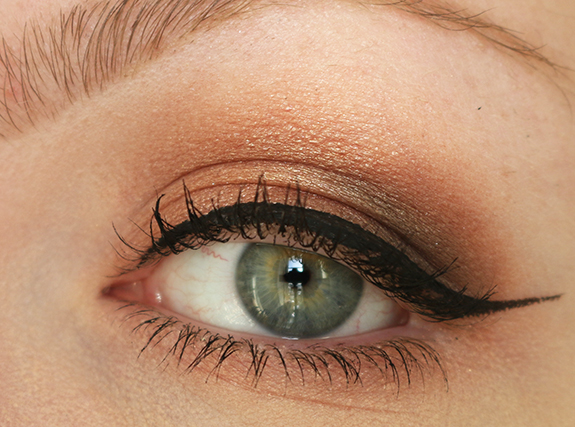 action_max_more_eyeshadow_baked_ombre_bronze06