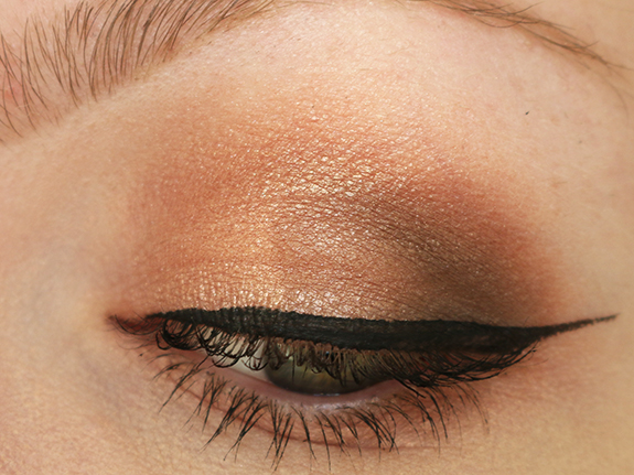action_max_more_eyeshadow_baked_ombre_bronze07