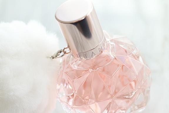 ariana_grande_ari_parfum04