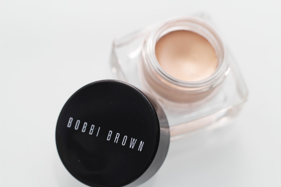 bobbi_brown_cream_shadow_sandy_gold02