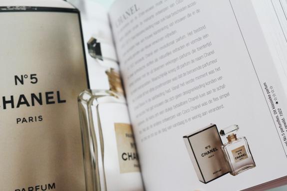 budgettip_boek_parfumflesjes03