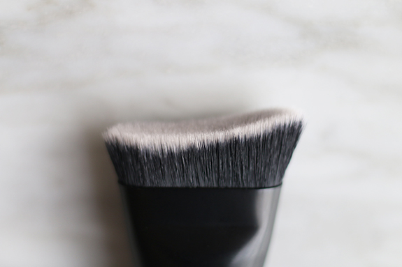catrice_contourious_sculpting_palette_brush11