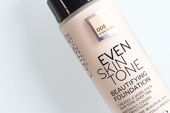 catrice_even_skin_tone_beautifying_foundation_liquid_camouflage_high_coverage_foundation12