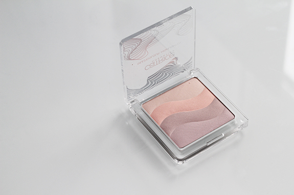 catrice_visionary_multicolour_highlighter11