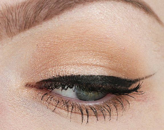 charlotte_tilbury_instant_look_in_a_palette08